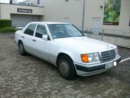 Mercedes-Benz 230 Typ 124 1