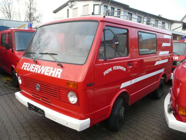 volkswagen lt lt-35-mit-h-kennzeichen-hecktueren-und-sperre rot