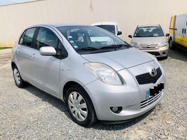 Toyota Yaris Saint-jacques-de-la-lande