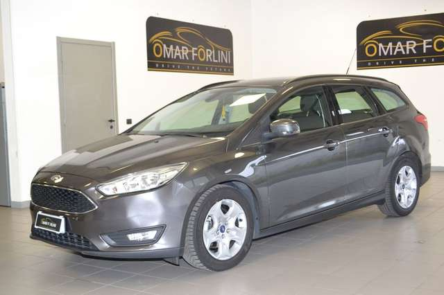 ford focus 1-5-tdci-120cv-start-stop-s-w-plus-full-km89-000 grau