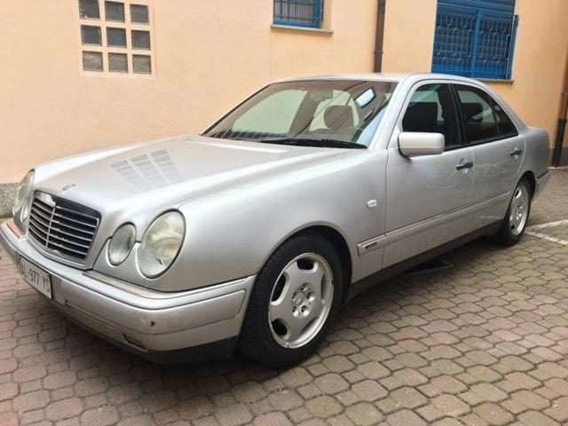 mercedes-benz e-200 gpl-berlina grau
