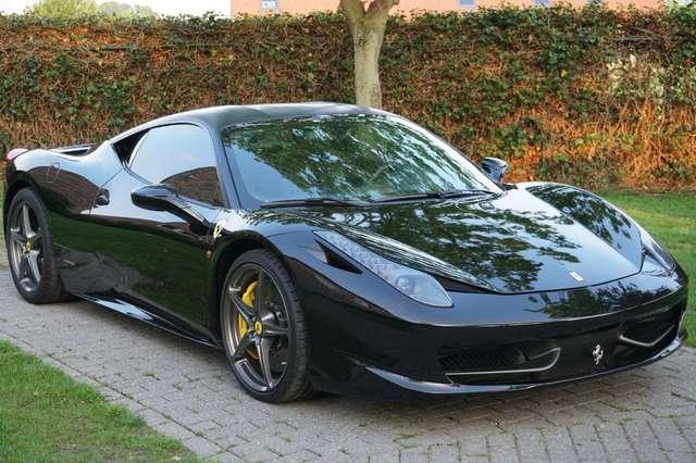 ferrari 458 4-5i-v8-f1-italia schwarz