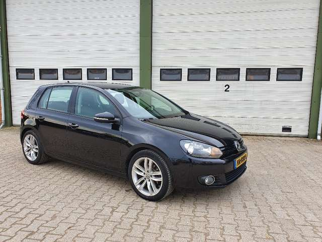 volkswagen golf 1-6-tdi-bluemotion zwart