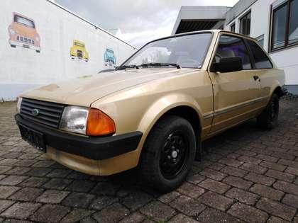 Ford Escort L Gold