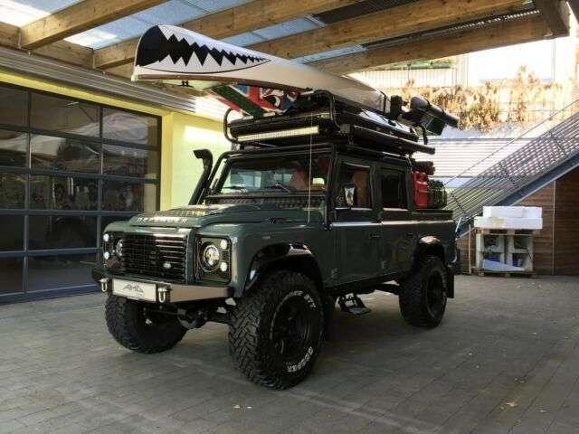 land-rover defender 110-cc-crew-cab-einzelstueck verde