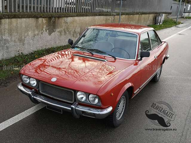 fiat 124-coupe rosso