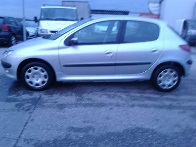 peugeot 206 oe3-edition-1-4-hdi-70 silber