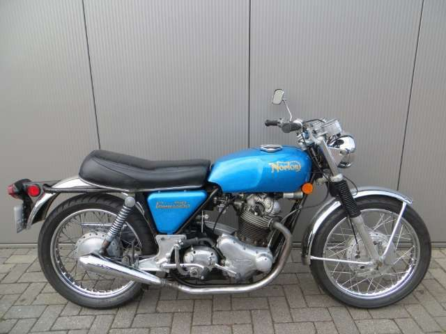 norton commando blau
