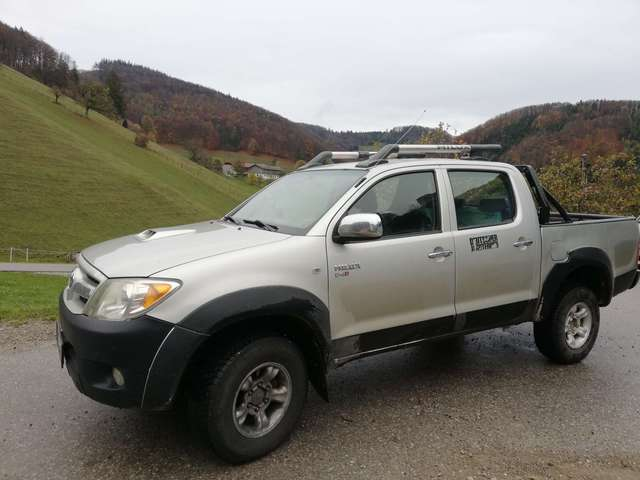 toyota hilux city silber