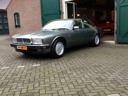Daimler Double Six 6.0 V12 nap origineel  nederlands