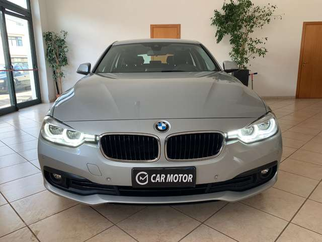 bmw 318 serie-3-touring-business-advantage-aut-full-led grigio