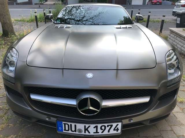 mercedes-benz sls amg-roadster-amg-speedshift-dct grau