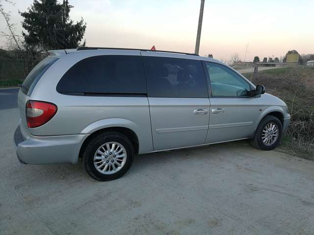 chrysler grand-voyager 2-8-crd-cat-lx-auto argento