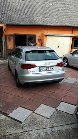 audi a3 2-0-tdi-sportback-quattro-attraction silber