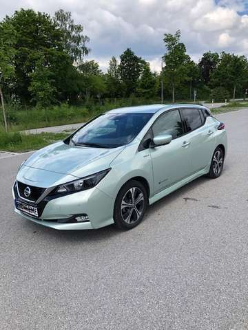 nissan leaf 40-kwh-2-zero-edition green