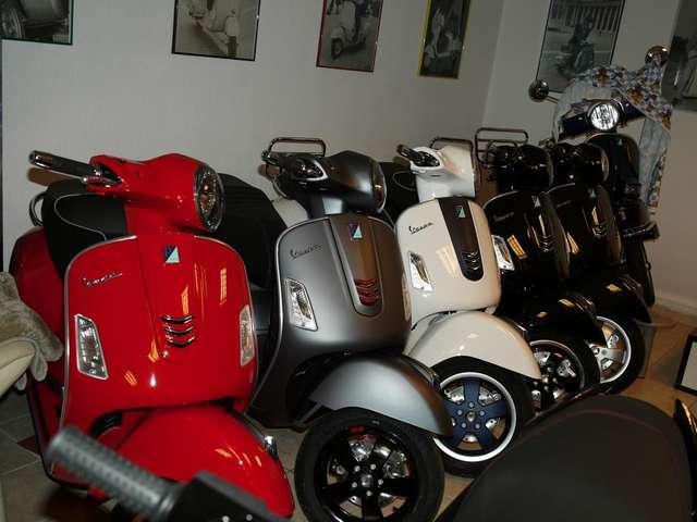 vespa gts-300 super-supersport-etc schwarz