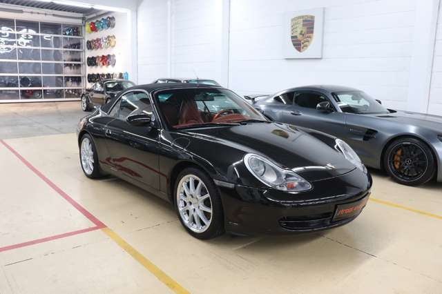 porsche 996 911-carrera-4-cabrio-porsche-exklusiv-1-besitz schwarz