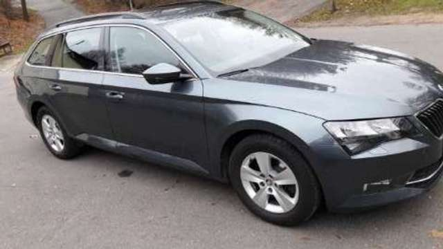 skoda superb ambition grau