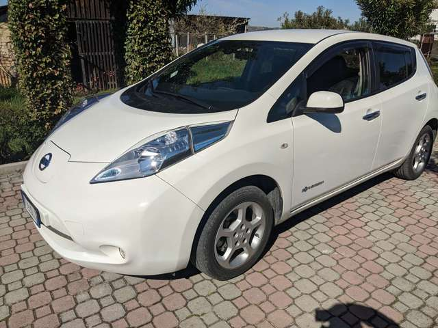 nissan leaf enel-edition-30kwh white