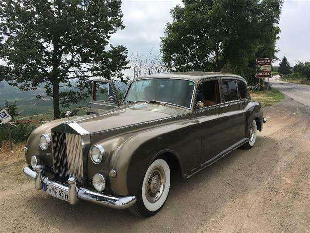 rolls-royce phantom v-top-zustand gold
