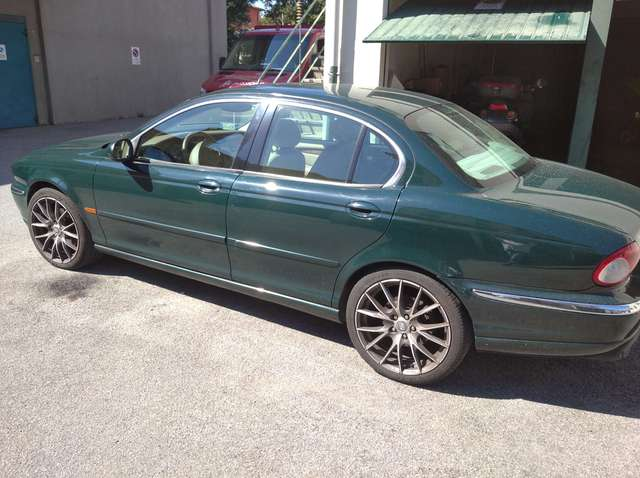 jaguar x-type 2-5-v6-24v-cat gruen