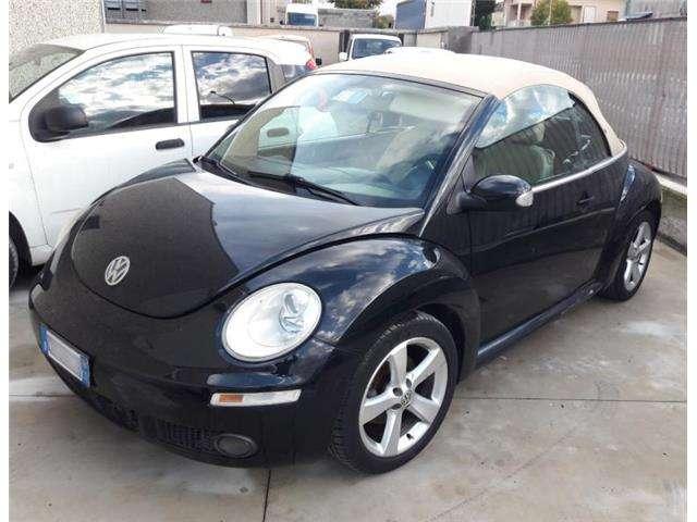 volkswagen new-beetle 1-9-tdi-105cv-cabrio-da-ricondizionare nero