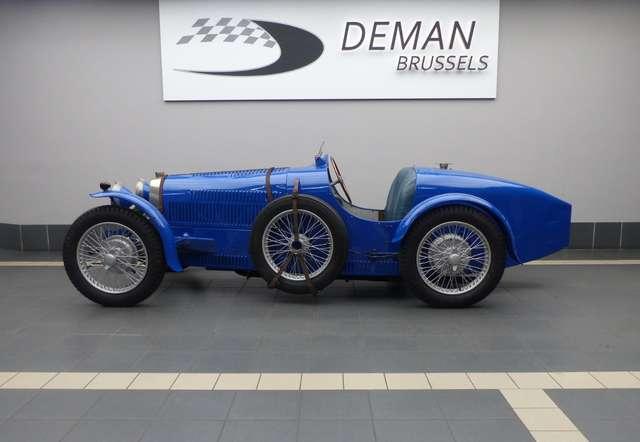 bugatti others type-37-tribute-immatriculation-belge blauw
