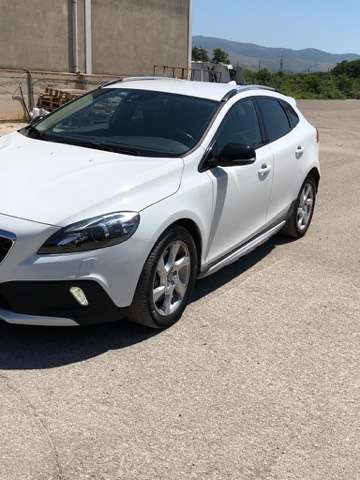 volvo v40-cross-country d4-geartronic weiss