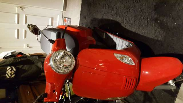 vespa others rouge
