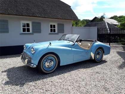 Triumph TR3 A cabriolet (1959) lichtblauw prof. gerestaureerd!