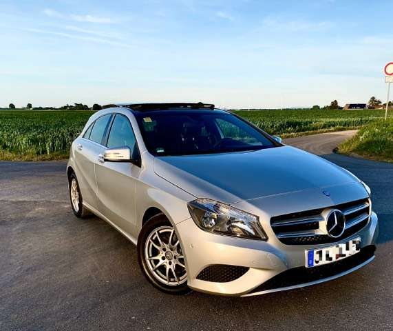 mercedes-benz a-180 blueefficiency-edition-style silber