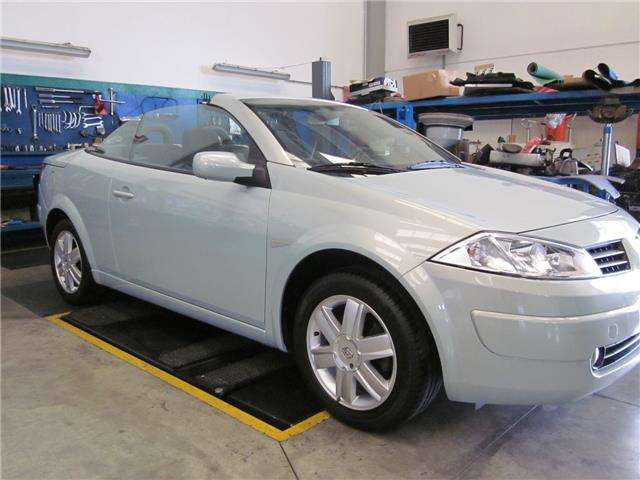 renault megane c-c-1-9-dci-luxe-dynamique silber