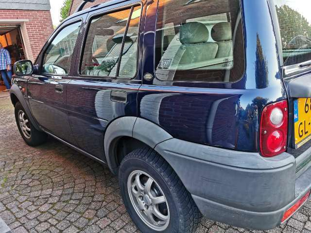 land-rover freelander 1-8i-skyline-wagon blauw