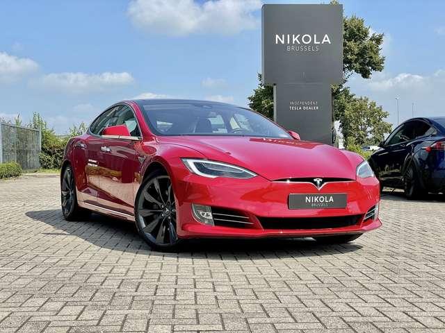 tesla model-s 90d-autopilot-air-suspension-sound-pack red