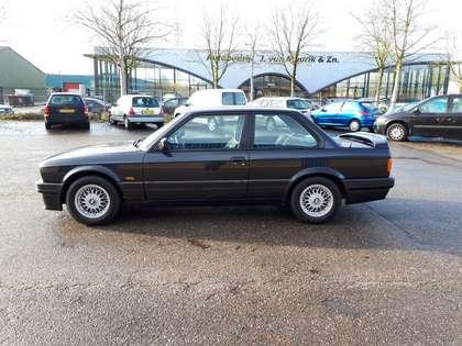 BMW M3 320is Italian M3 (1989) 96000 kms BMW service book