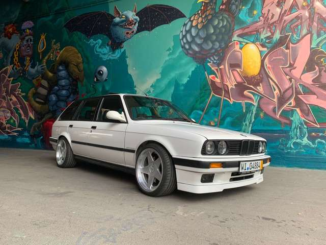 bmw m3 e30-matthes-335it-24s-limited-01-01 weiss
