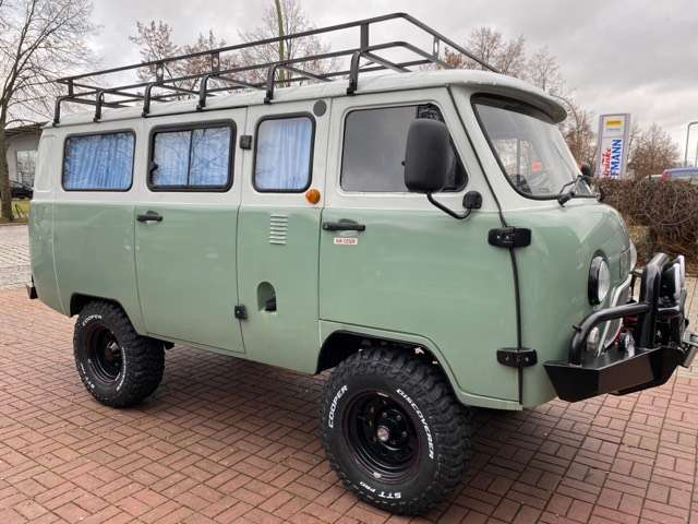 uaz buchanka allrad-4x4-offroad-jubilaeums-euro6-deutsche-zul green