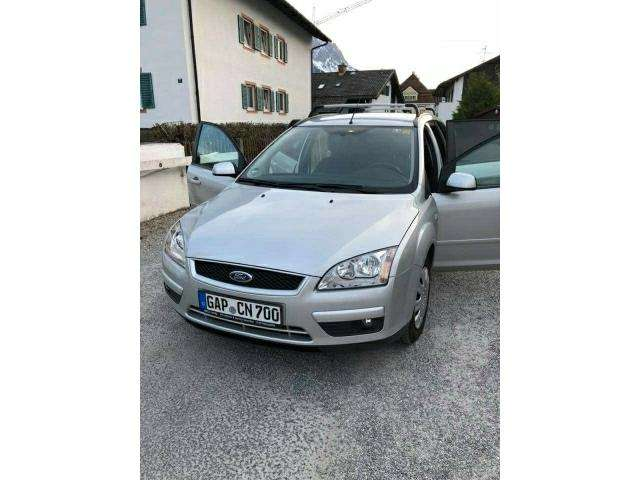 ford focus turnier-1-6-ti-vct-style silber