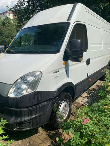 iveco daily 35-s-13-v weiss