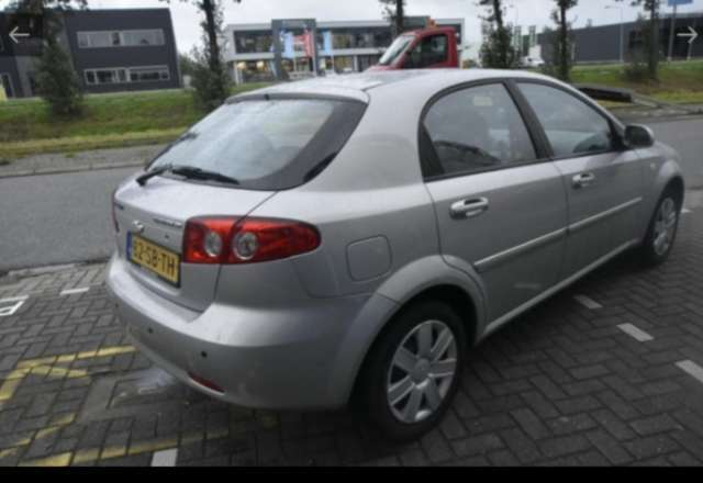 chevrolet lacetti 1-4-16v-style gris