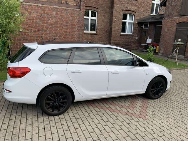 opel astra 1-6-sports-tourer-selection weiss