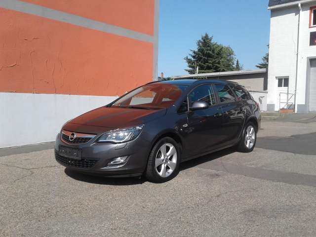 opel astra sports-tourer-design-edition-xenon-17 grau