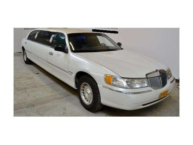 lincoln town-car stretch wit