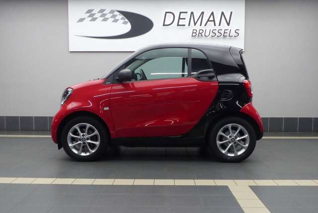 smart fortwo 1-0i-passion-dct-pack-cool-audio-toit-pano rouge