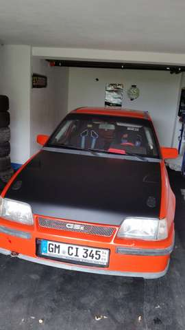 opel kadett e-16v-gsi orange