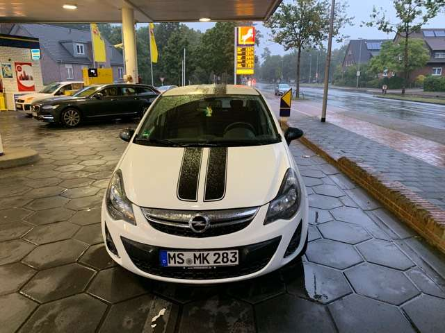 opel corsa 1-4-16v-color-edition weiss