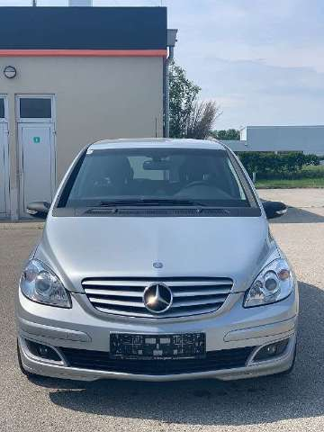 mercedes-benz b-180 cdi-special-edition gris