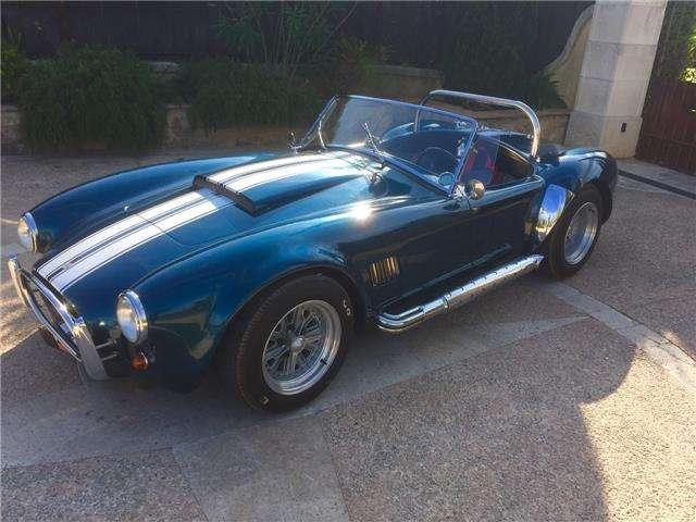 ac cobra ac-cobra-replique-3-5-v8-carbu bleu