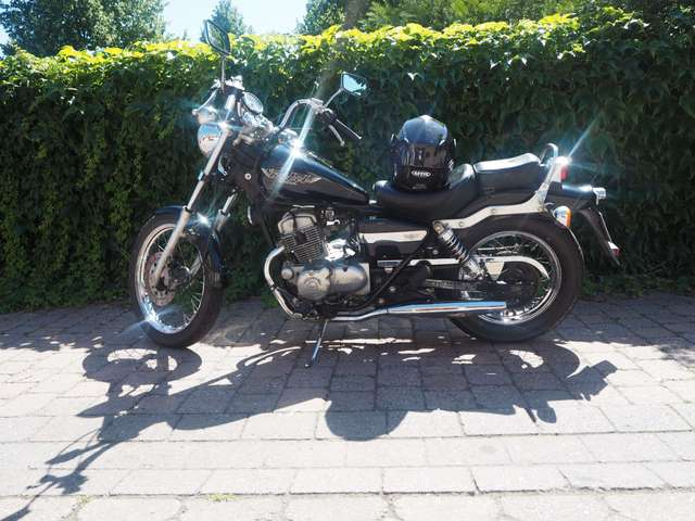 honda ca-125-rebel black