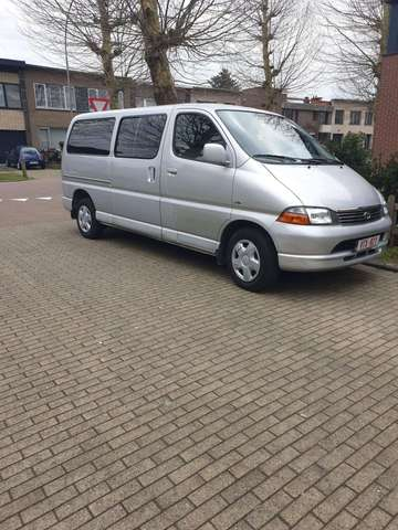 c4437bb7f8 Buy toyota hiace from Germany